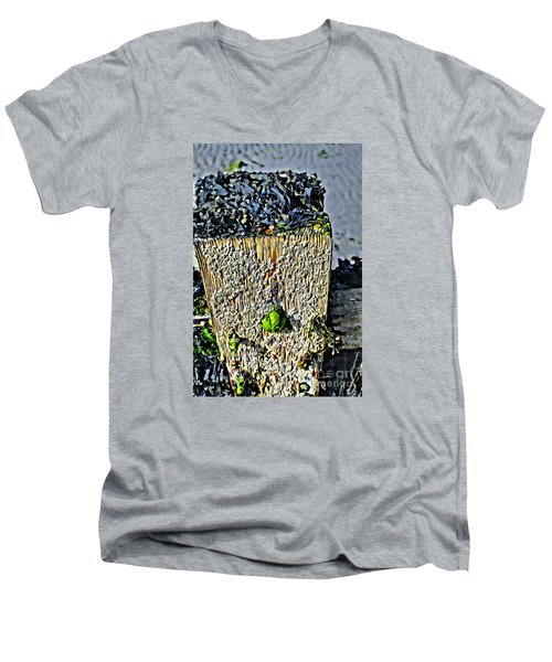 Isle Of Man Low Tide Men's V-Neck T-Shirt