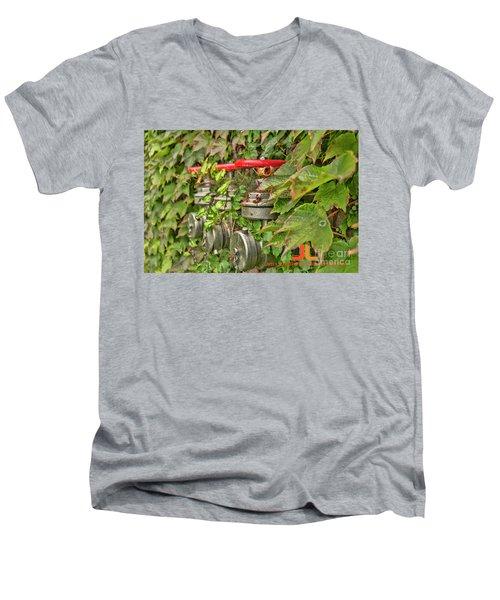 Ivy Standpipe Men's V-Neck T-Shirt