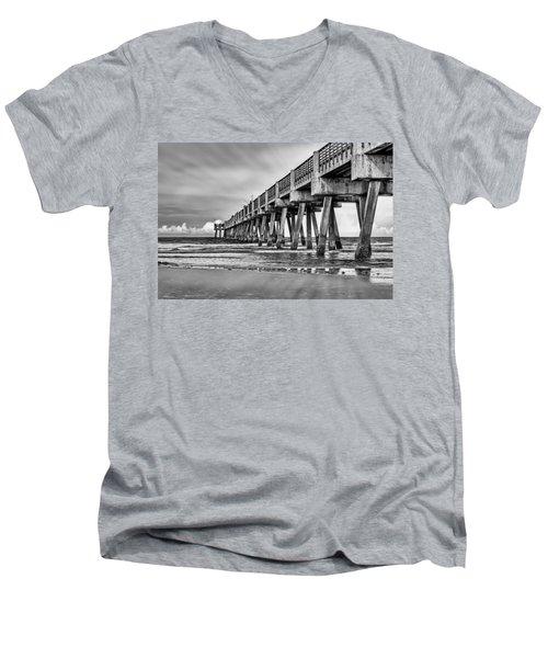 Jacksonville Beach Pier In Black And White Men's V-Neck T-Shirt