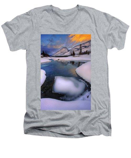 Men's V-Neck T-Shirt featuring the photograph Jasper In The Winter by Dan Jurak