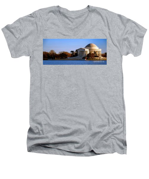 Jefferson Memorial Sunset Men's V-Neck T-Shirt