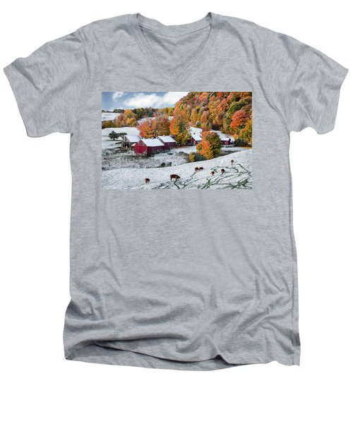 Jenne Farm, Reading, Vt Men's V-Neck T-Shirt