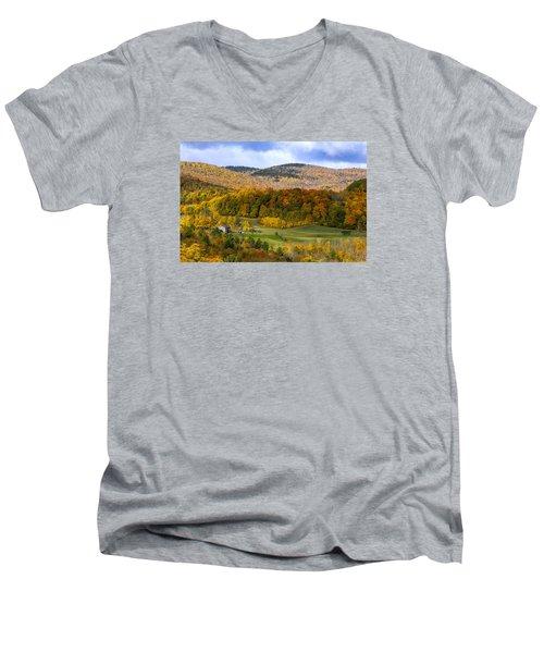 Jenne Farms Neighbor Reading Vt Men's V-Neck T-Shirt