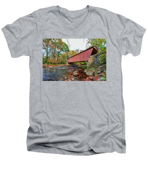 Jericho Covered Bridge In Maryland During Autumn Men's V-Neck T-Shirt