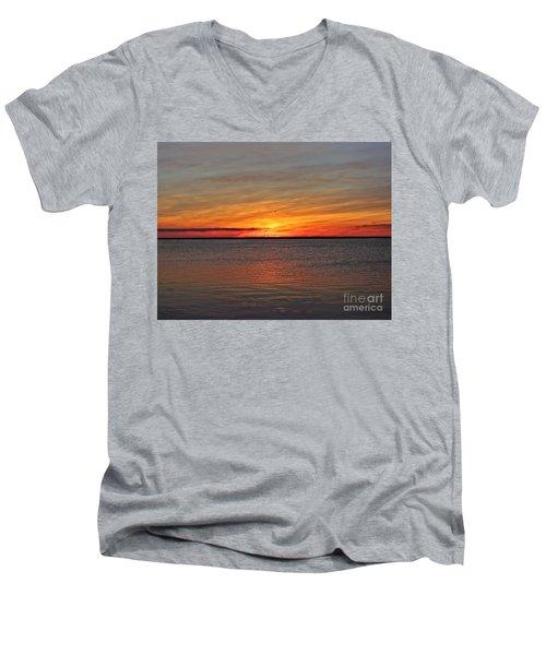 Jersey Shore Sunset Hdr Men's V-Neck T-Shirt
