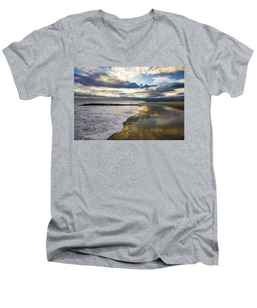 Jetty Four Shorebreak Men's V-Neck T-Shirt