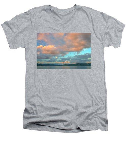 Jocassee 7 Men's V-Neck T-Shirt