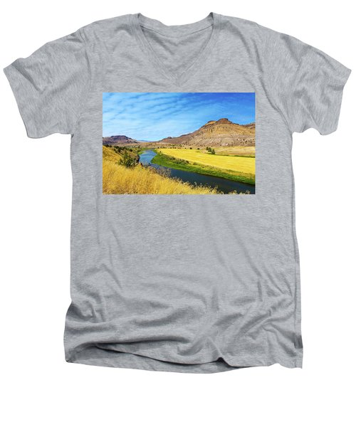 John Day River Panoramic View Men's V-Neck T-Shirt