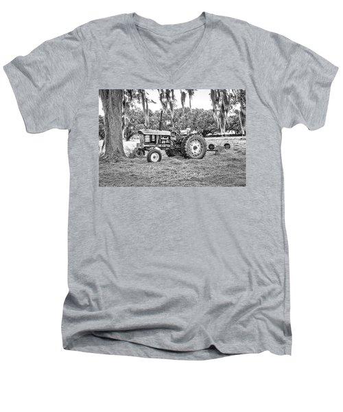 John Deere - Hay Rake Men's V-Neck T-Shirt