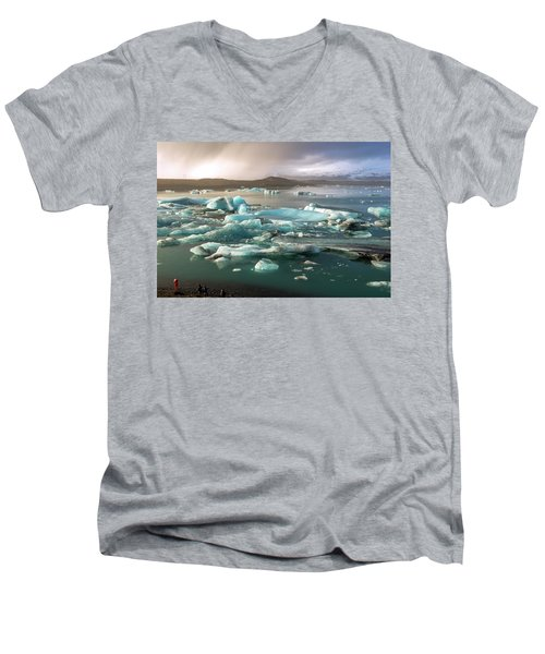 Jokulsarlon The Magnificent Glacier Lagoon, Iceland Men's V-Neck T-Shirt