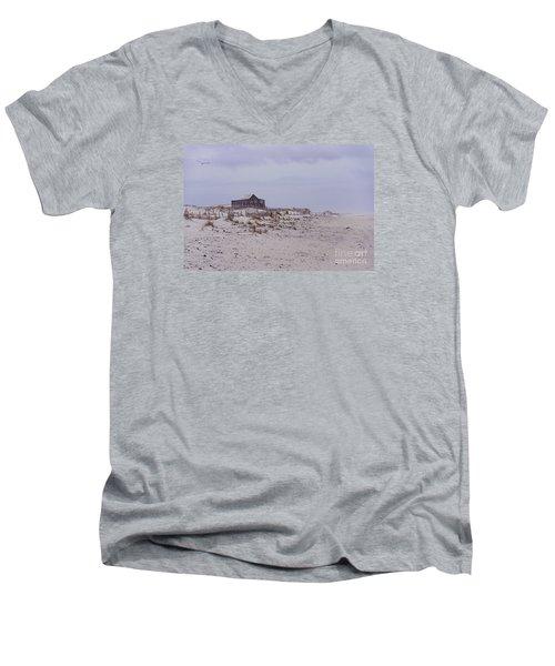 Judge's Shack Men's V-Neck T-Shirt