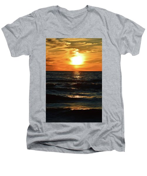 June 21 - 2017 Sunset At Wasaga Beach  Men's V-Neck T-Shirt
