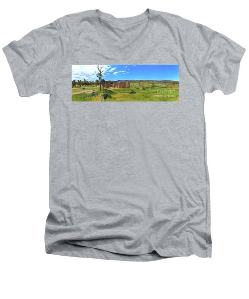 Kanyaka Homestead Ruins Men's V-Neck T-Shirt