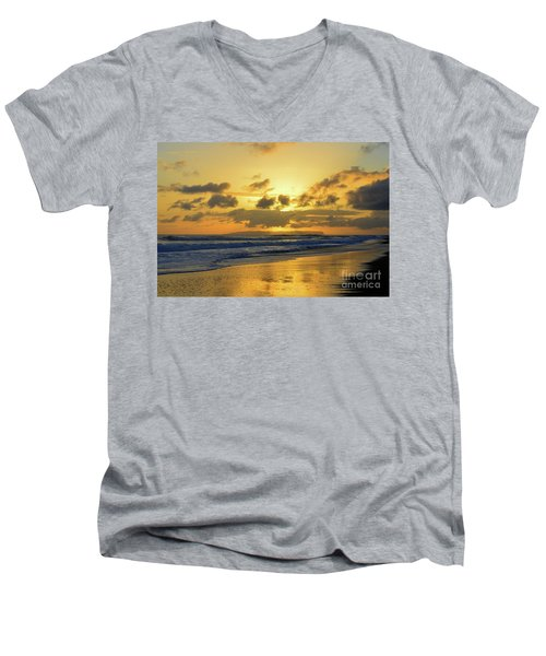Kauai Sunset With Niihau On The Horizon Men's V-Neck T-Shirt