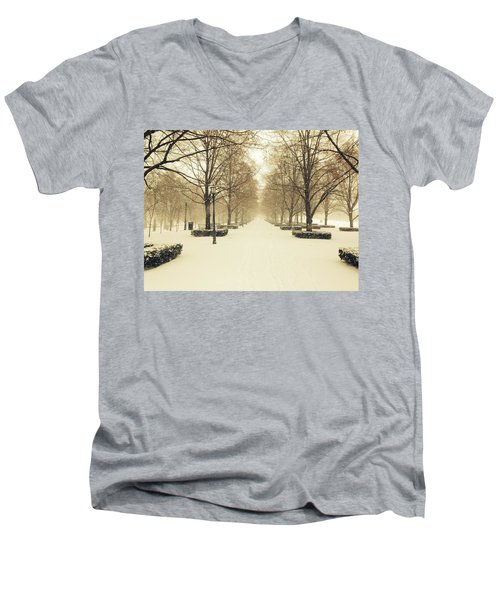 Kc Snow With Parisian Flare Men's V-Neck T-Shirt