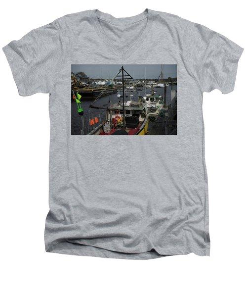 Kennebunkport Harbor In Early Winter Men's V-Neck T-Shirt
