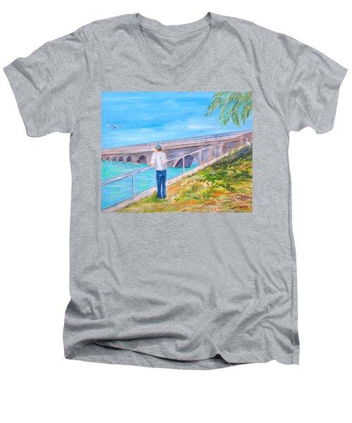 Keys Fishin' Men's V-Neck T-Shirt