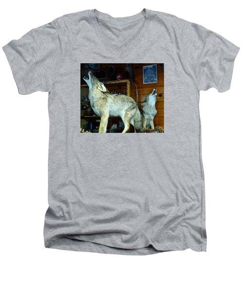 Kings Canyon Lodge Coyotes Men's V-Neck T-Shirt