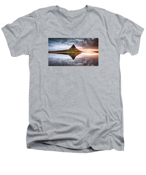 Kirkjafell Mountain Sunrise Men's V-Neck T-Shirt