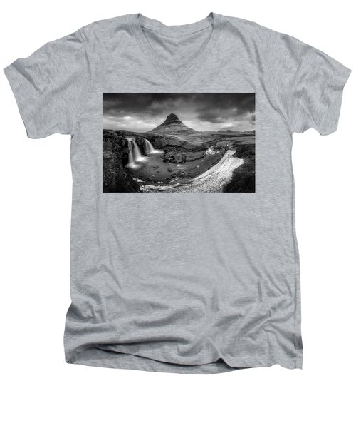 Kirkjufellsfoss Dawn Monochrome  Men's V-Neck T-Shirt