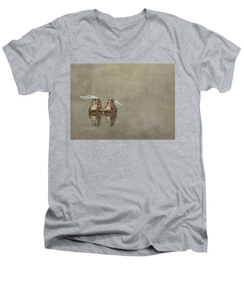 Kisses Men's V-Neck T-Shirt