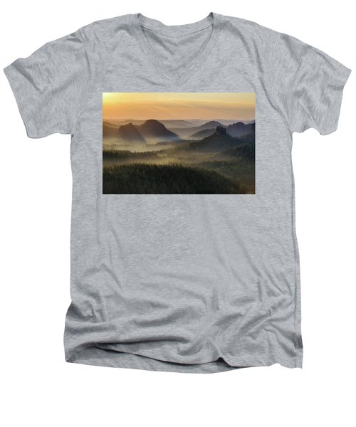 Kleiner Winterberg Silhouettes, Saxon Switzerland, Germany Men's V-Neck T-Shirt
