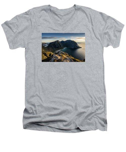 Kvalvika Beach Men's V-Neck T-Shirt