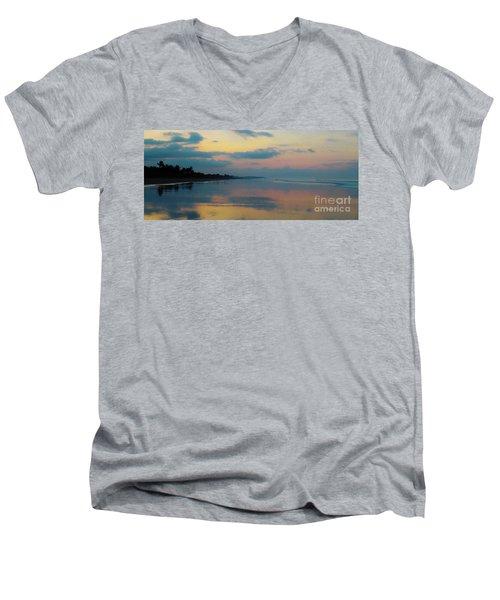 la Casita Playa Hermosa Puntarenas - Sunrise One - Painted Beach Costa Rica Panorama Men's V-Neck T-Shirt