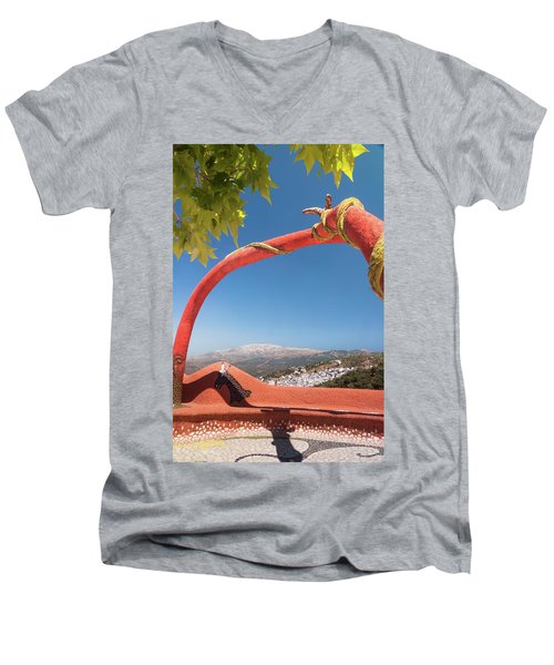La Maroma Men's V-Neck T-Shirt