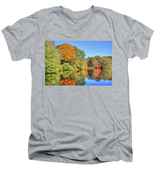 Lake Noquochoke, Dartmouth, Ma Men's V-Neck T-Shirt