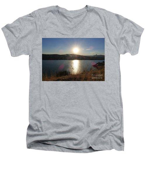 Lake Roosevelt Sun Men's V-Neck T-Shirt