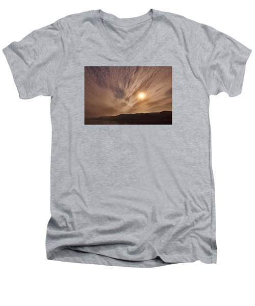 Lake Roosevelt Washington Men's V-Neck T-Shirt