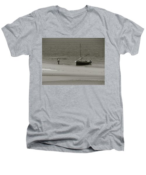 Lamu Island - Wooden Fishing Dhow Getting Unloaded - Black And White Men's V-Neck T-Shirt