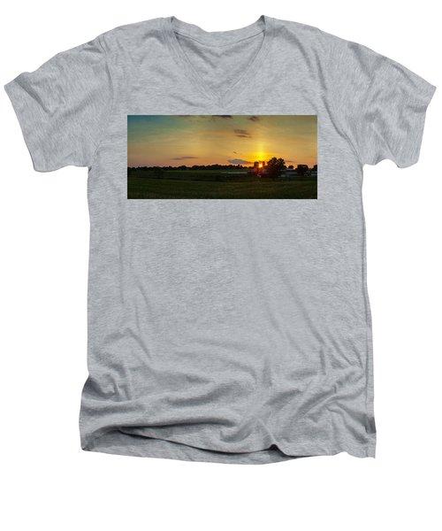 Lancaster Farm Sunset Panorama Men's V-Neck T-Shirt