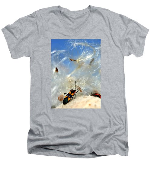 Large Milkweed Bug Men's V-Neck T-Shirt