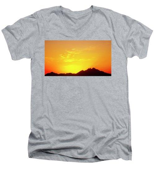 Last Moments Sunset In Africa Men's V-Neck T-Shirt