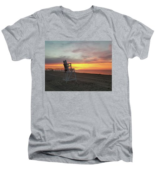 Lifeguard Stand On The Beach At Sunrise Men's V-Neck T-Shirt