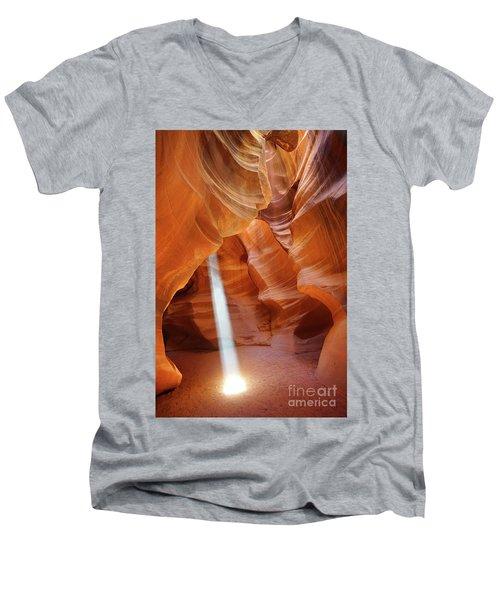 Light In Antelope Canyon Men's V-Neck T-Shirt