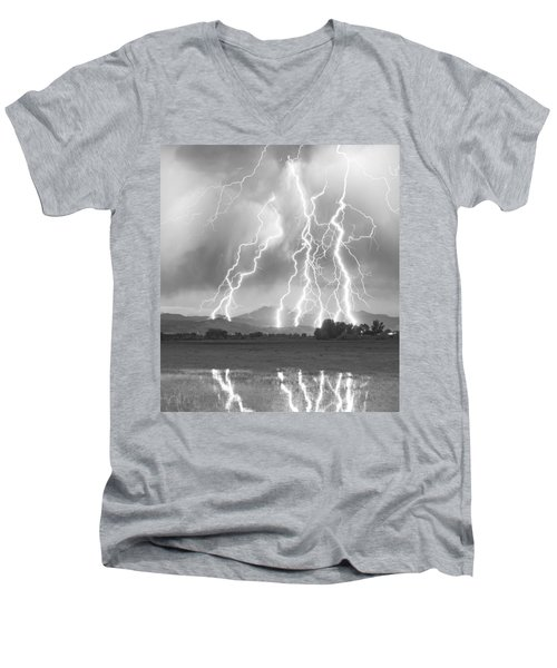 Lightning Striking Longs Peak Foothills 4cbw Men's V-Neck T-Shirt
