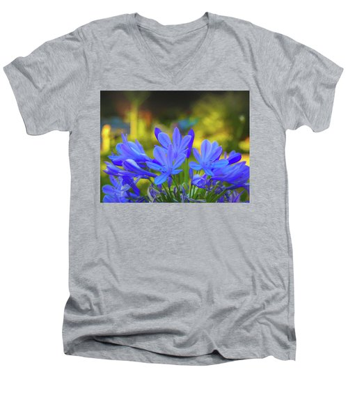 Lily Of The Nile Men's V-Neck T-Shirt