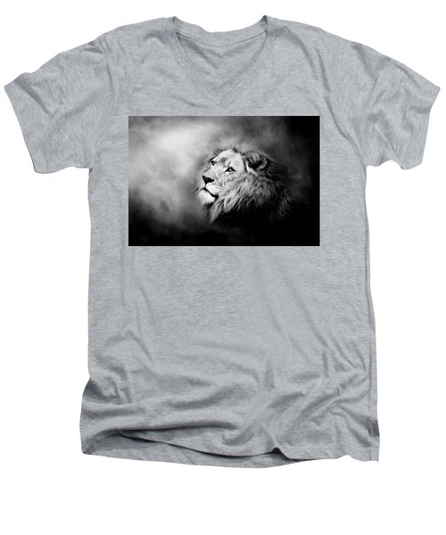 Lion - Pride Of Africa II - Tribute To Cecil In Black And White Men's V-Neck T-Shirt