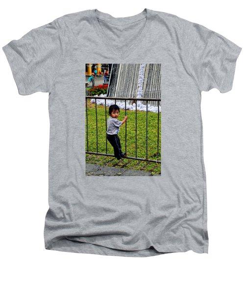 Little Boy In Peru Men's V-Neck T-Shirt