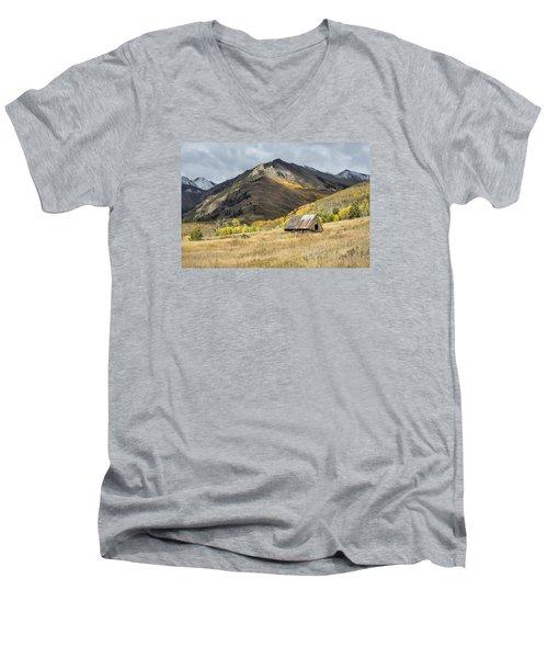 Log Barn In The Mountains Men's V-Neck T-Shirt