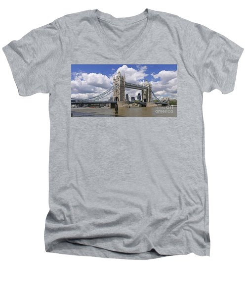 London Towerbridge Men's V-Neck T-Shirt