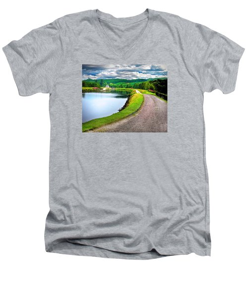 Lone Highland Farm Men's V-Neck T-Shirt