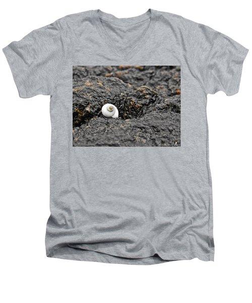 Lone Seashell Men's V-Neck T-Shirt