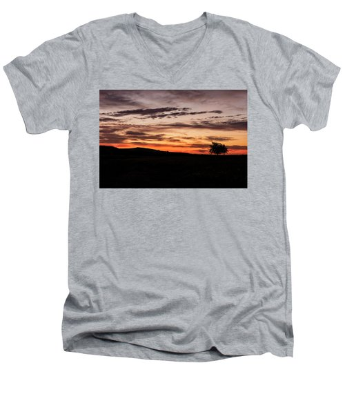 Lone Tree At Sunrise Men's V-Neck T-Shirt