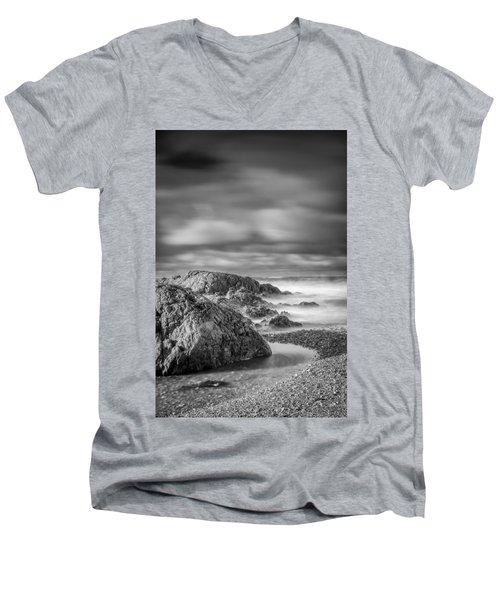 Long Exposure Of A Shingle Beach And Rocks Men's V-Neck T-Shirt