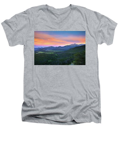 Men's V-Neck T-Shirt featuring the photograph Longs Peak Sunset by David Chandler