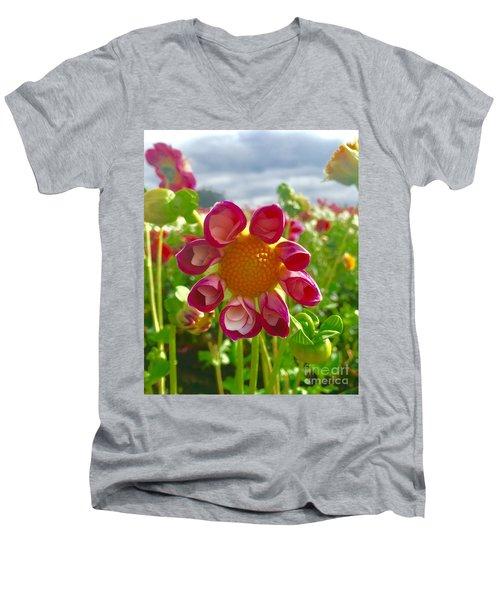 Look At Me Dahlia Men's V-Neck T-Shirt